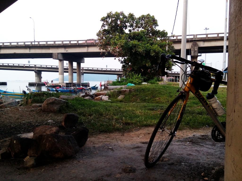 Bike Bikelah peekaboo