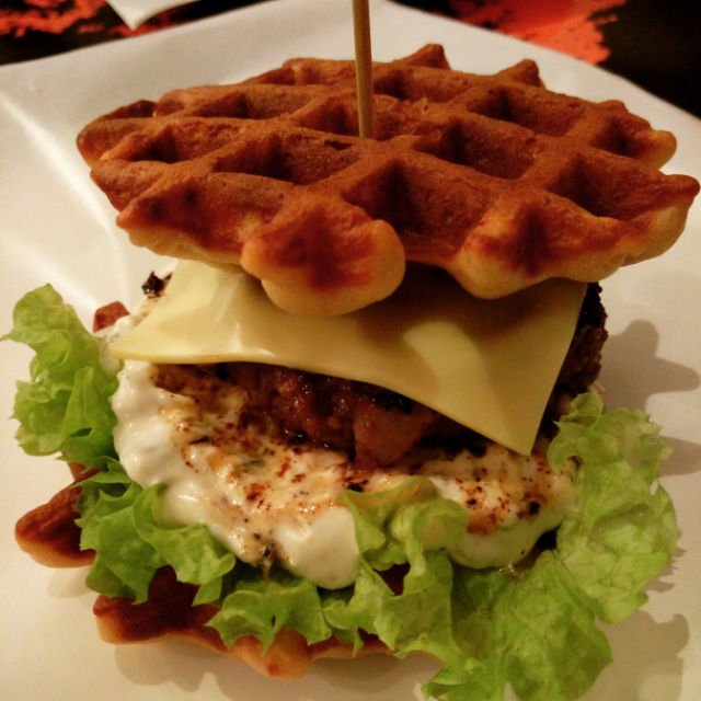 Waffle Burger Sam